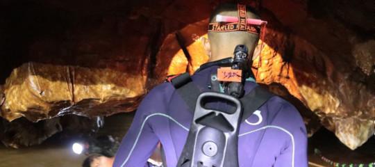 In Thailandia è iniziato il recupero dei 12 ragazzi intrappolati nella grotta