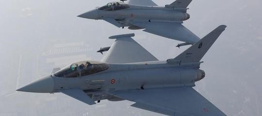 caccia italiani intercettato aerei