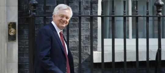 """Brexit,si dimette il ministro Davis:""""May ci indebolisce"""""""