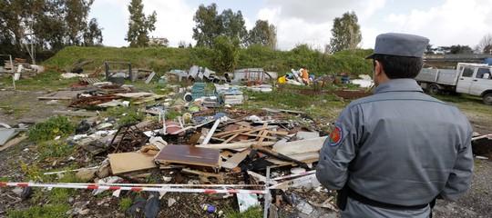 ecomafie rifiuti ambiente abuso edilizio