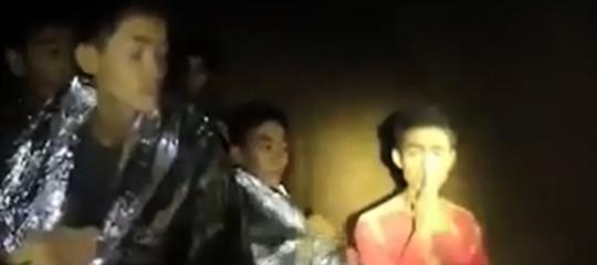 Thailandia: tutti i ragazzi e l'allenatorefuori dalla grotta, erano intrappolati dal 23/06