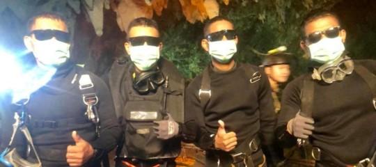 Thailandia ragazzi grotta liberi