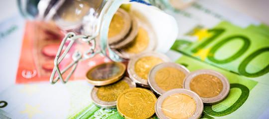 Tria: reddito cittadinanza e taglio tasse vadano di pari passo