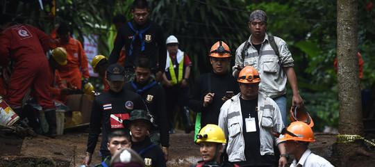Thailandia: fuori tutti i ragazzi, nella grotta resta ancora solo l'allenatore