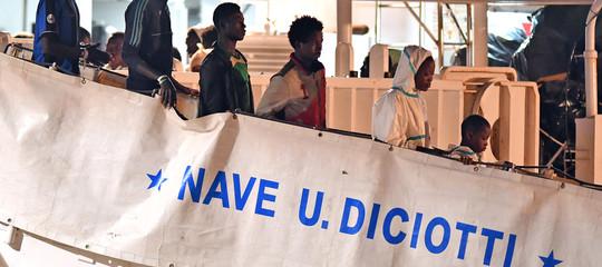 Migranti: dal Viminale nessuna indicazione sull'attracco della nave 'Diciotti'
