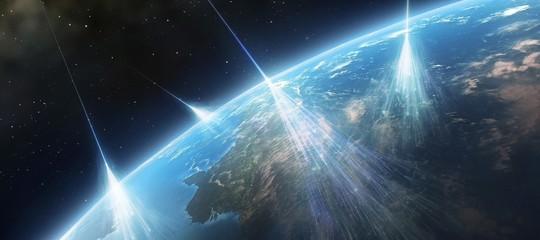 Spazio: neutrino 'messaggero'dell'Universo rivela origine raggi cosmici