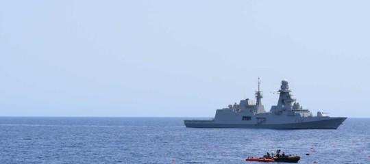 Francia e Malta accettano parte dei 450 migranti al largo della Sicilia