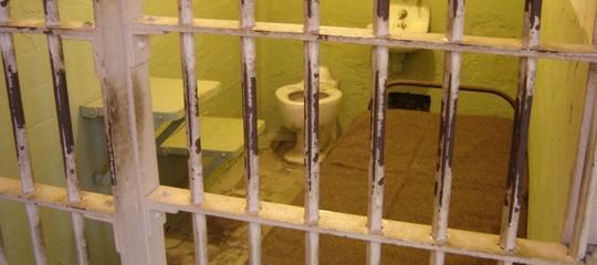 Ma è possibile un mondo senza carceri? Il sogno di Grillo, le tesi diChristie