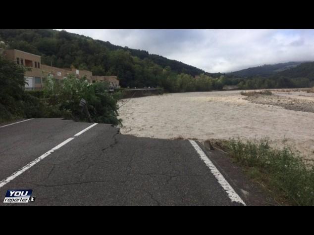Maltempo: frane, case crollate e paesi isolati, e' allarme rosso nel Piacentino