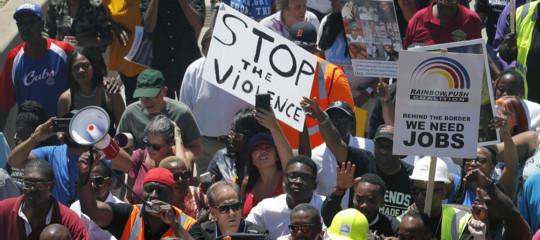 Usa: agente spara e uccide un uomo, si infiamma la protesta a Chicago