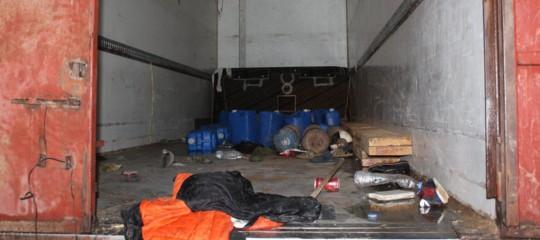 Migranti, Libia: in 100 chiusi dentro un tir, 8 morti di cui 6 bambini