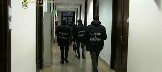 Appaltisui rifiuti: disposto il divieto di dimora per un sindaco in Calabria