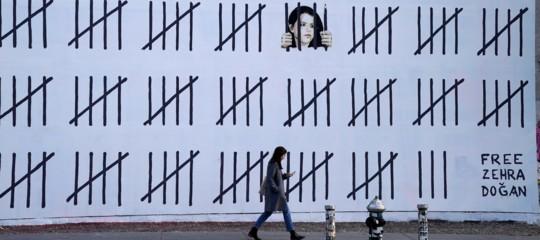 banksy artista curda dogan