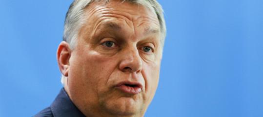 Migranti : Commissione Ue deferisce l'Ungheria sull'asilo, procedura perlegge anti-Soros