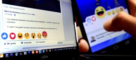 L'inchiesta che ha raccontato come avviene la moderazione dei contenuti di Facebook