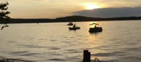 Usa: barca da turismo affonda in lago Missouri, almeno 11morti
