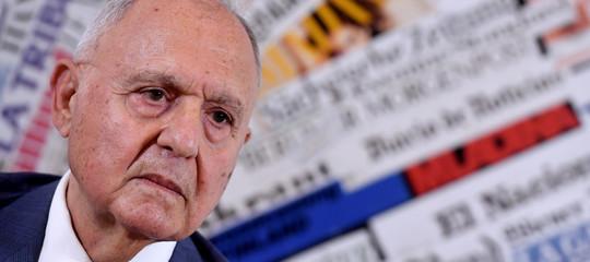 Il ministro Savona è indagato a Campobasso per usura bancaria