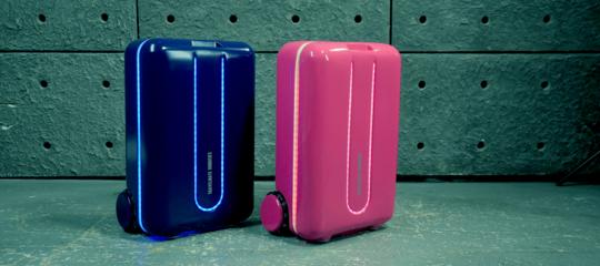 estate tecnologia valigia che si guida da sola