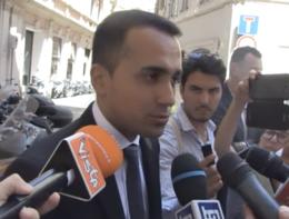 """Di Maio: """"Savona indagato per atto dovuto, ora si va avanti"""""""