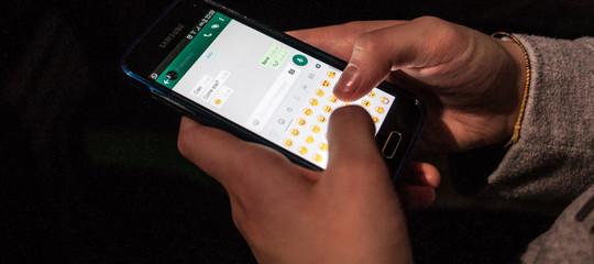 whatsapp inoltro messaggi limitato