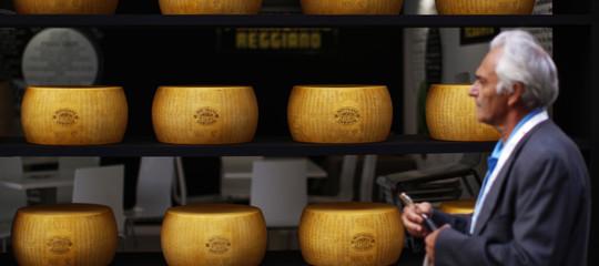 """""""Il Parmigiano si fa così da 9 secoli. E non c'è motivo di cambiarlo"""""""