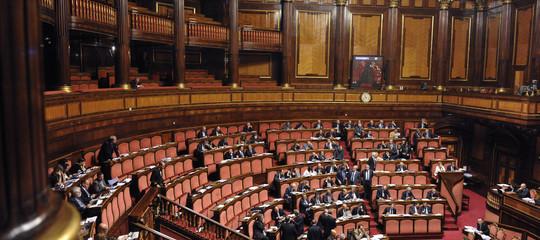 I partiti italiani sono rimasti senza soldi. Un rapporto