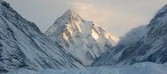 Montagna: polacco completa discesa del K2 sugli sci, è record