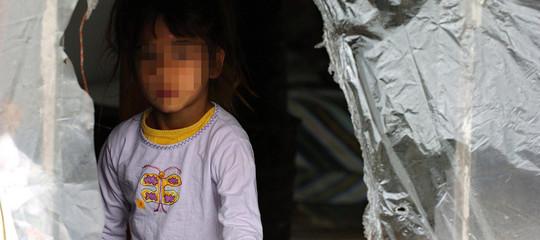 Un italiano di 50 anni è indagato per aver sparato a una bambina rom