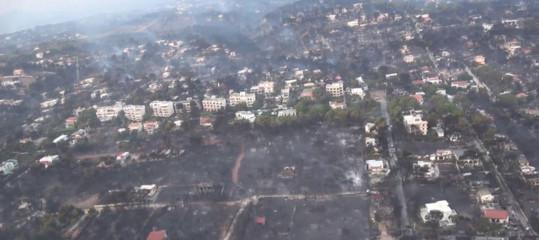 """Grecia: bilancio incendi sale a 74 morti, ambasciatore """"situazione tesa"""""""