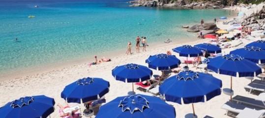 Spiagge sicure, Salvini: 2 milioni ai Comuni, basta con gli abusivi