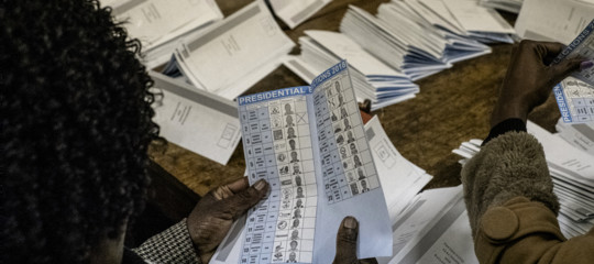 Zimbabwe: partito al potere Zanu-PF ottiene la maggioranza dei seggi