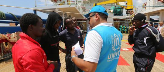 Migranti: dopo 22 giorni di attesa, sbarcata in Tunisia Sarost 5