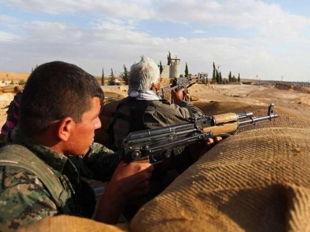 Isis avanza nel nord della Siria, decapitate 3 miliziane curde