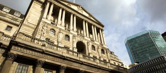 Brexit: la Banca d'Inghilterra rialza i tassi di un quarto di punto, allo 0,75%