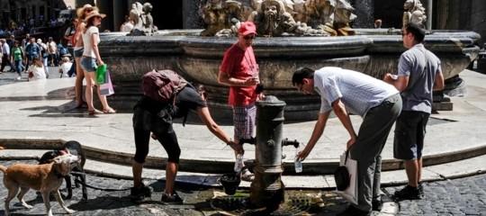 Caldo: ministero, bollino rosso in 12 città fino a domenica