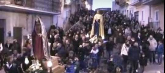 L'ingerenza dei clan mafiosi nelle processioni è una lunga storia