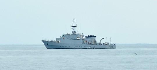 Il governo dà 12 motovedette alla Libia per il controllo dei migranti. Ma è costituzionale?