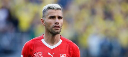 """Calcio: Svizzera 'taglia'Behrami, lui denuncia: """"Scelta politica"""""""