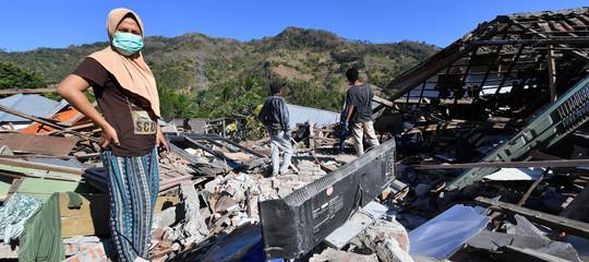 Indonesia: aLomboksalgono a 347 le vittime delterremoto