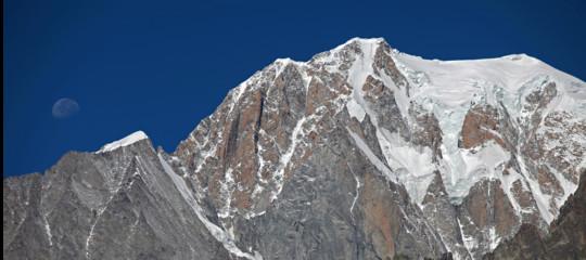Dispersi tre alpinisti italiani sul versante francese del Monte Bianco