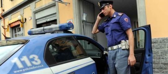 Roma: senza motivo pugni al volto ai passanti in strada. Arrestato