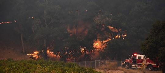 Incendi in California, le vittime salgono a 8