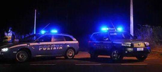 Prostituzione: minorenni 'venduti' sul web, tre arresti ad Aosta