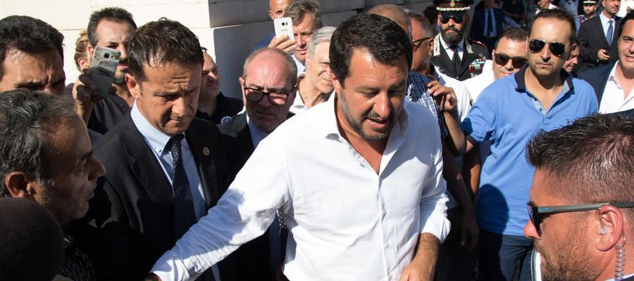 """Famiglia, Salvini: """"Stop a genitore 1 e 2, si torna a padre e madre"""""""