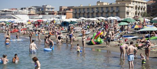 In Italia stanno finendo le spiagge libere. Un rapporto