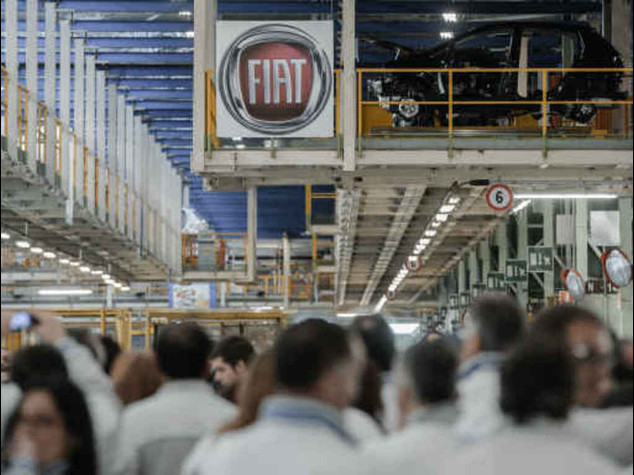 Fiat and unions sign first level collective contract