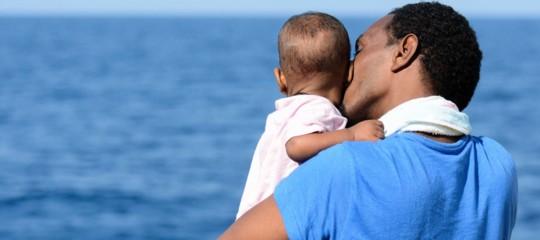 La naveAquariusin arrivo con 141 migranti. Due mesi dopo l'odissea si ripete?