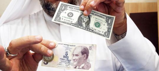 Turchia, Erdogan: pronti a scambi commerciali in valute locali