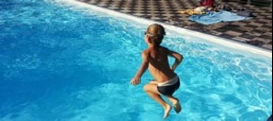smartphone bambini annegati piscina