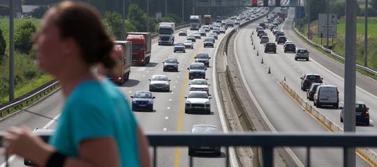 Quali parti dei contratti di concessione delle autostrade sono ancora segrete, e perché